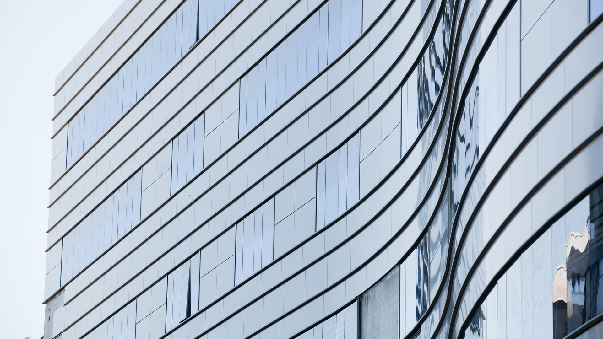 Sutter Health Medical Center - Sacramento - Close Up Windows